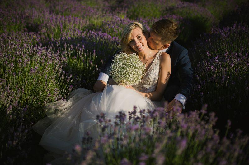 Ślub w Kędzierzynie Koźlu / sesja plenerowa na polu lawendy