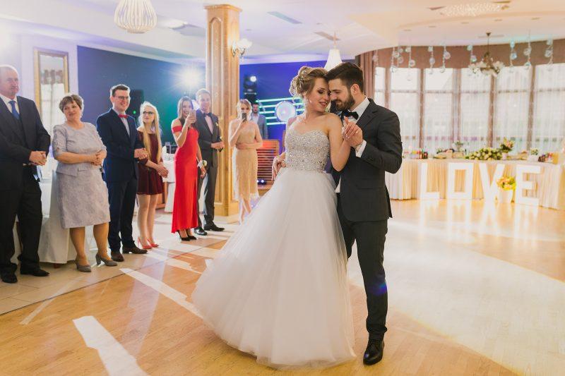 Ślub w kościele Dobrego Pasterza / Dom Weselny Pod Kasztanami